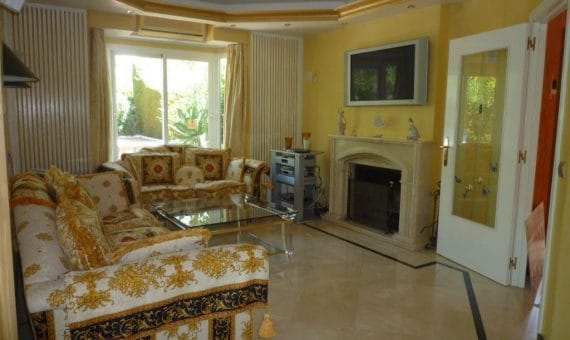 House in town in Marbella 156 m2, garden, pool, parking   | 1