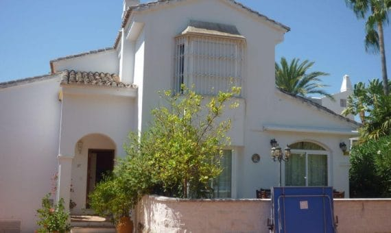 House in town in Marbella 156 m2, garden, pool, parking   | 4