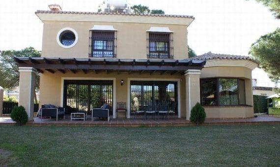 Вилла в Марбелье 270 м2, сад, парковка   | 263-00234p_3605-570x340-jpg