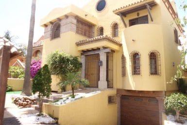 Вилла в Сане-Педро-Де-Алькантаре, Марбелья, 670 м2, сад, бассейн, парковка