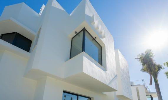 Villa in San Pedro de Alcantara, Marbella, 1164 m2, garden, pool, parking   | 4