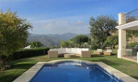 Villa in Marbella 207 m2, garden, pool   | 1