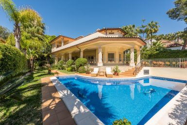 Villa en Marbella Golden Mile, 527.64 m2, jardin, piscina, aparcamento