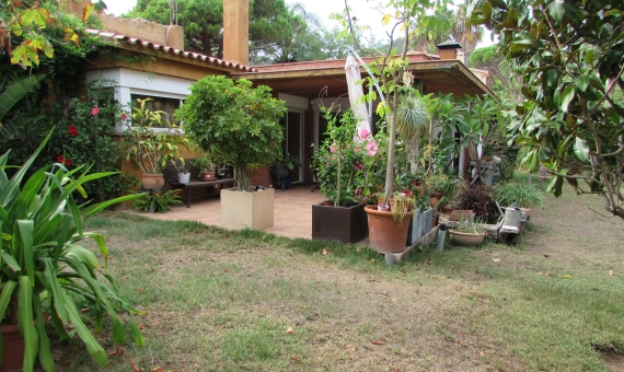 House with a flat plot of 850 m2 in Blanes | 4