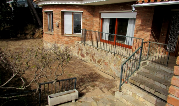 House with 2 plots of 810 m2 each one in Blanes | 2
