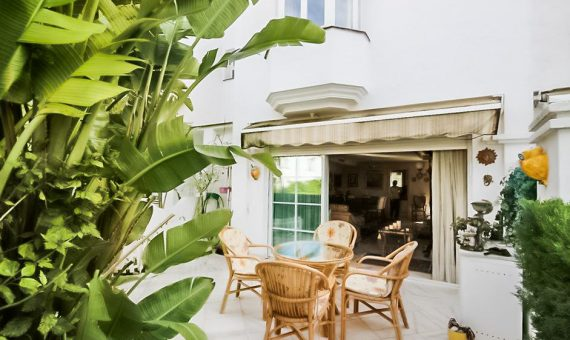 Townhouse in Marbella 150 m2, garden, pool, parking   | 4