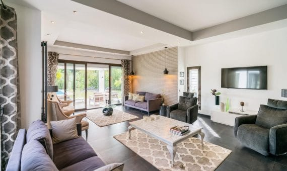 Villa in Benahavis, Marbella, 385 m2, garden, pool, parking   | 1