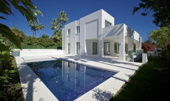 Villa en Marbella 792 m2, jardin, piscina   | 079a4bce-0bff-47bf-a7bc-c6b1425aa87c-570x340-jpg