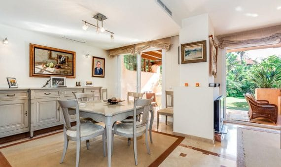 Townhouse in Marbella Golden Mile, 343 m2, garden, pool, parking   | 3