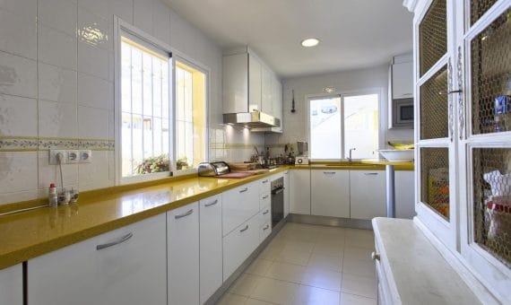 Apartment in Estepona, Marbella, 296 m2, garden, pool, parking     4