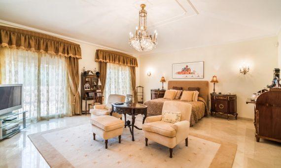 Villa in San Pedro de Alcantara, Marbella, 1262 m2, garden, pool, parking   | 2