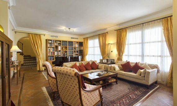 Дом в Бенаависе, Марбелья, 215 м2, сад, бассейн, парковка   | 2