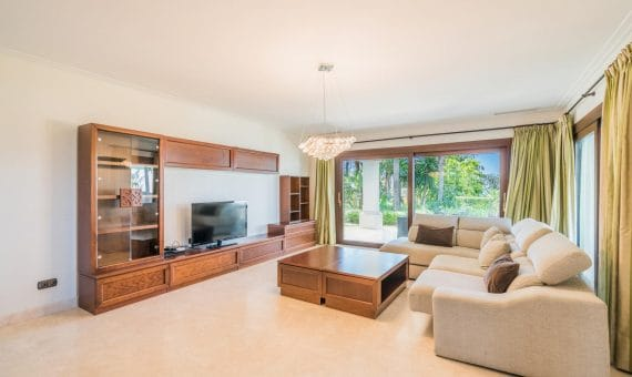Villa in Marbella Golden Mile, 522 m2, garden, pool, parking   | 2