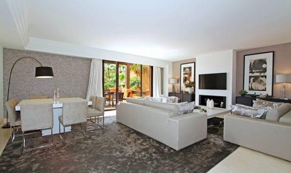 Apartment in Nueva Andalucia, Marbella, 249 m2, garden, pool, parking   | 1