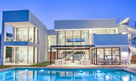 Villa in Marbella - Puerto Banus, 587 m2, garden, pool -