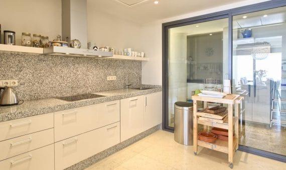 Apartment in Marbella 183 m2, garden, pool, parking     b5f3b028-c2f6-4b7b-8294-922b1e668ae7-570x340-jpg