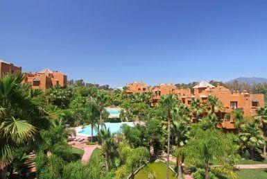 Апартаменты в Новой Андалусии, Марбелья, 249 м2, сад, бассейн, парковка