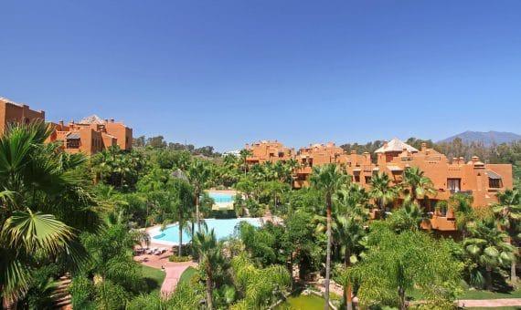 Апартаменты в Новой Андалусии, Марбелья, 249 м2, сад, бассейн, парковка -