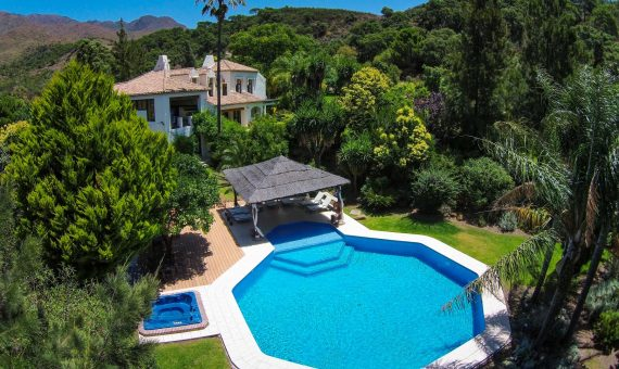Villa in Casares, Marbella, 1042 m2, garden, pool, parking   | 2e036567-303a-4473-8337-4f0aac7673b8-570x340-jpg