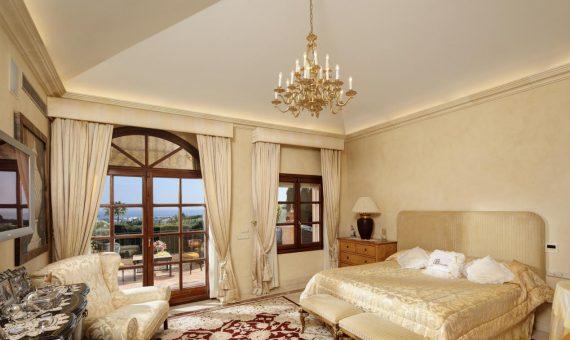 Villa in Nueva Andalucia, Marbella, 647 m2, garden, pool, parking   | 2