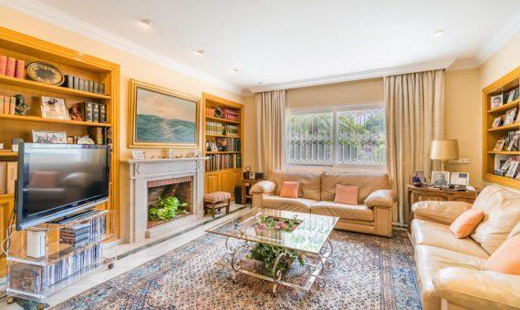 Villa in San Pedro de Alcantara, Marbella, 1138 m2, garden, pool, parking   | 3
