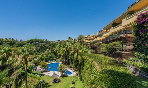 Apartment in Marbella Golden Mile, 260 m2, garden, pool, parking -