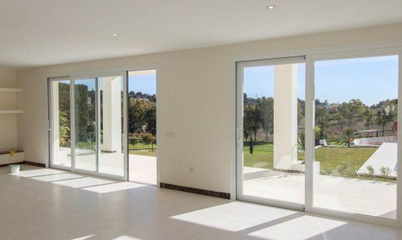 Villa in Benahavis, Marbella, 400 m2, garden, pool, parking   | 2