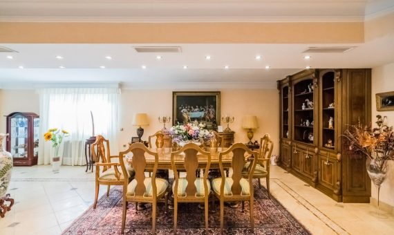 Villa in Marbella East, 168 m2, garden, pool, parking   | 3