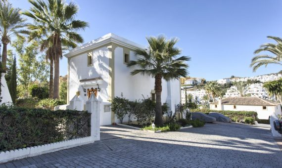 House in town in Marbella 250 m2, garden, parking   | 460fb042-2222-4c9e-8993-1ad8cb7cca68-570x340-jpg