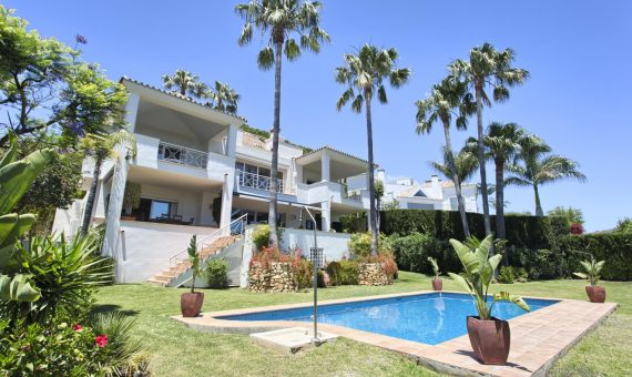 Villa in Marbella 699 m2, garden, pool   | 5534dd7b-a1c6-4cbb-8be9-b0c25c2fee92-570x340-jpg