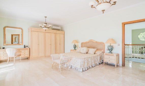Villa in Marbella Golden Mile, 532 m2, garden, pool, parking     2