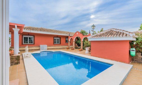 Villa in Marbella East, 525 m2, garden, pool, parking   | 3