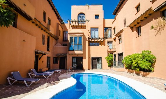 Apartment in Estepona, Marbella, 149 m2, garden, pool, parking -