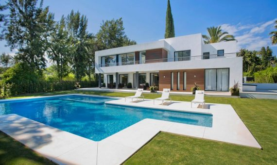 Villa in Nueva Andalucia, Marbella, 880 m2, garden, pool   | 5f29a148-215b-4ae1-83aa-8a8d002549b6-570x340-jpeg