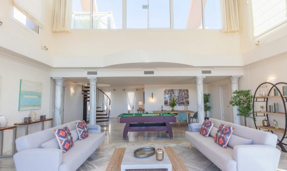 Apartment in Nueva Andalucia, Marbella, 330 m2, garden, pool, parking   | 1