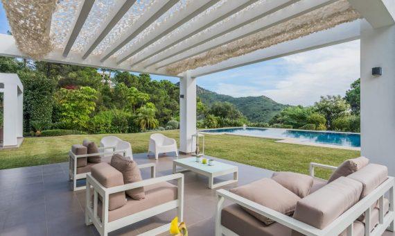 Villa in Benahavis, Marbella, 385 m2, garden, pool, parking   | 2