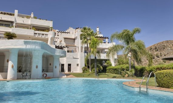 Апартаменты в Бенаависе, Марбелья, 239 м2, сад, бассейн, парковка -
