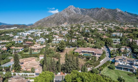 Land in Marbella Golden Mile, 1808 m2   | 2