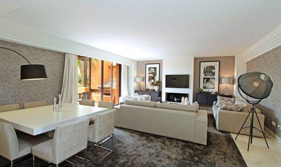Apartamento en Nueva Andalucía, Marbella, 249 m2, jardin, piscina, aparcamento   | 3