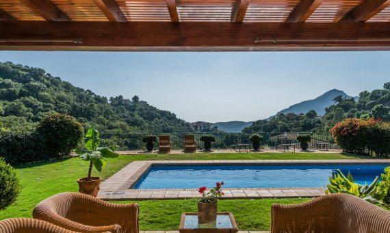 Villa in Benahavis, Marbella, 601 m2, garden, pool, parking   | 3