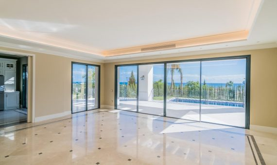 Villa in Benahavis, Marbella, 526 m2, garden, pool, parking   | 2