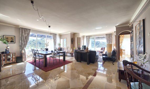 Апартаменты в Бенаависе, Марбелья, 375 м2, сад, бассейн, парковка -