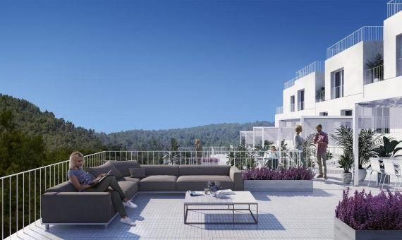 Townhouse in Marbella 147 m2, garden, pool, parking     4