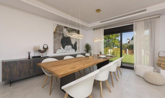 Townhouse in San Pedro de Alcantara, Marbella, 400 m2, garden, pool   | 3