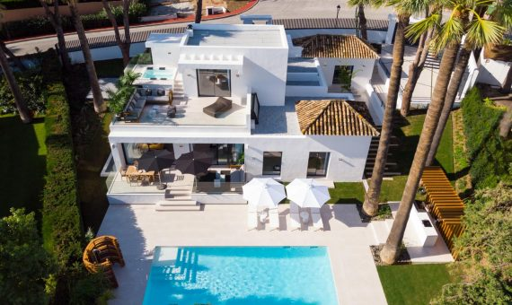 Villa in Nueva Andalucia, Marbella, 449 m2, garden, pool, parking   | 1