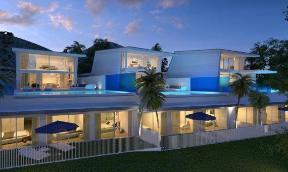 Villa in Benalmadena, Marbella, 389 m2, garden, pool, parking -