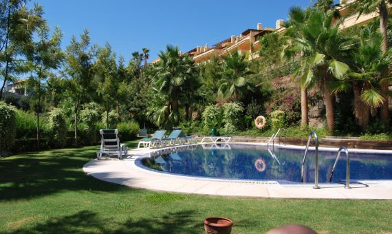 Apartment in Marbella Golden Mile, 318 m2, garden, pool, parking -