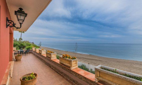 Villa en Marbella Este, 525 m2, jardin, piscina, aparcamento   | 9bd06560-c6b0-4408-af75-6aeee0efbf82-570x340-jpg