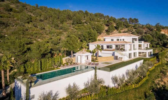 Villa in Marbella Golden Mile, 2600 m2, garden, pool, parking   | 1
