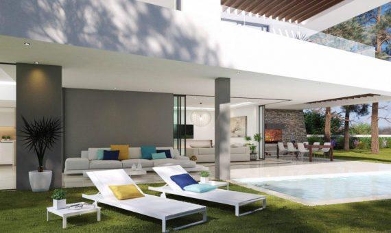Villa in Marbella East, 450 m2, garden, pool, parking   | 4